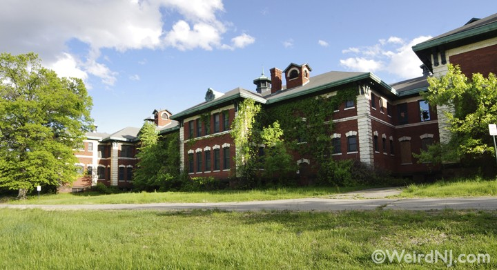 A Farewell To Overbrook Asylum Essex County Hospital Weird Nj