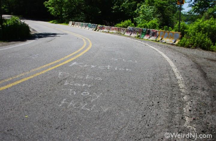 Dead Mans Curve Car Show 2020.Clinton Road A Dark Ride Weird Nj