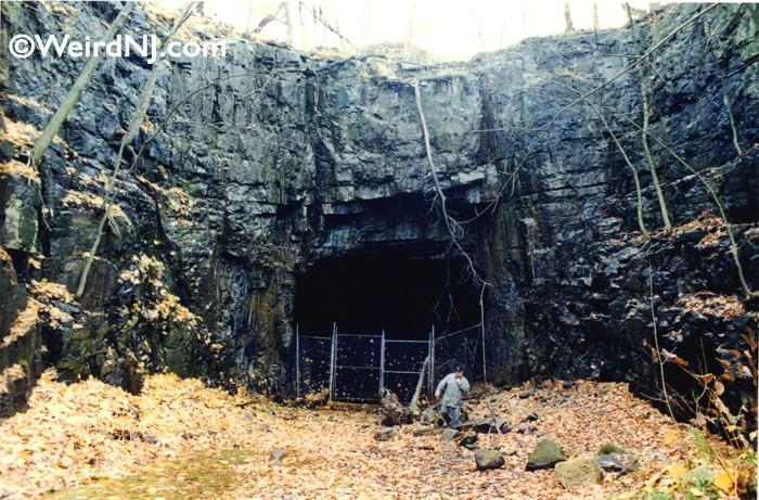 The Edgewater Fairview Train Tunnel Weird Nj
