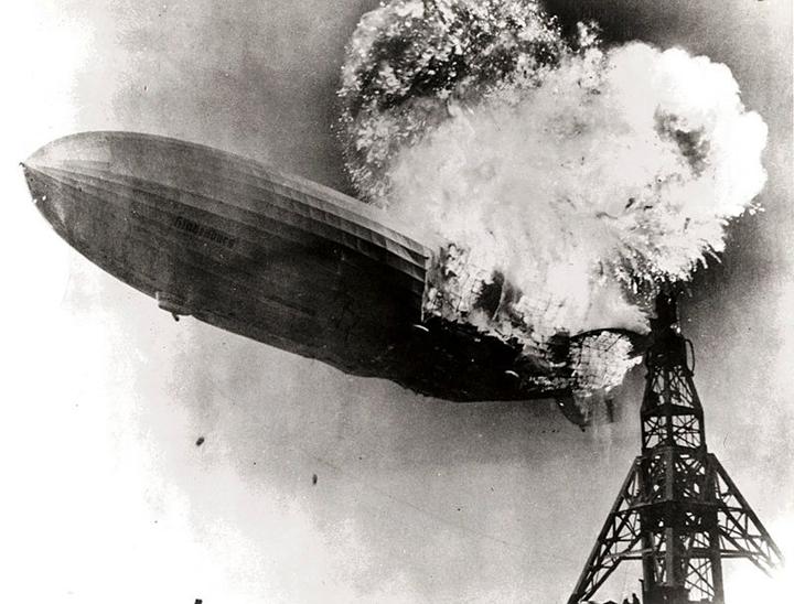 Hindenburg_burning sm