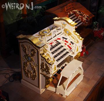 Organ-white