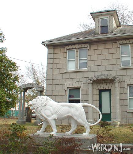 Arbuckel House-front