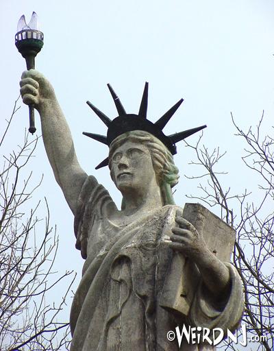 Statue Waist Up