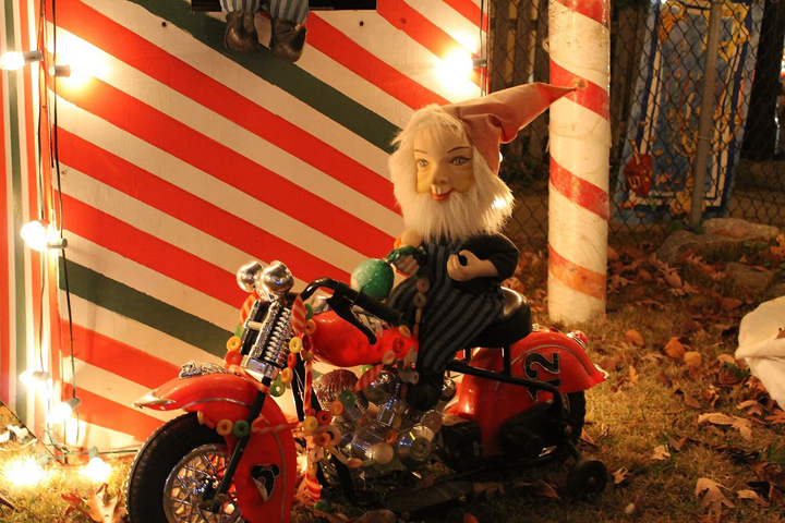 motorcylcle-santa