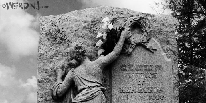 Tillie Grave detail
