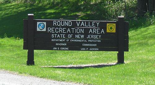 [Image: Round-Valley-Sign-Deathworm.jpg]